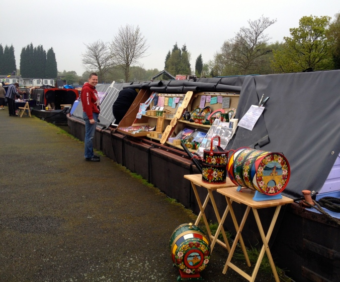 Alison and Lou trade as 'Da Vinci Crafts' selling intricately carved wooden boxes, plaques, jewellery, fine art photography, canal ware and heaps more