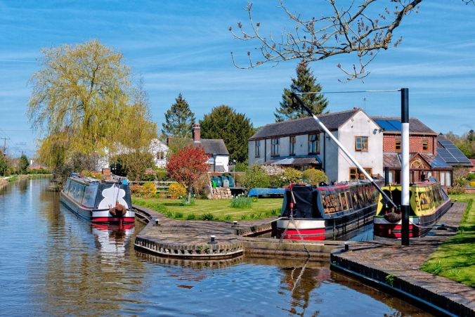 This canalside property at Barlaston Boatyard always impresses each time we pass