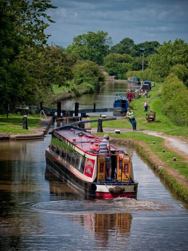 Through the Adderley Locks and up to Market Drayton