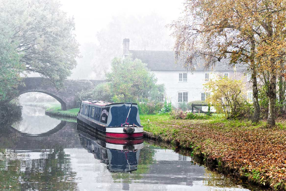 Autumnal narrowboating