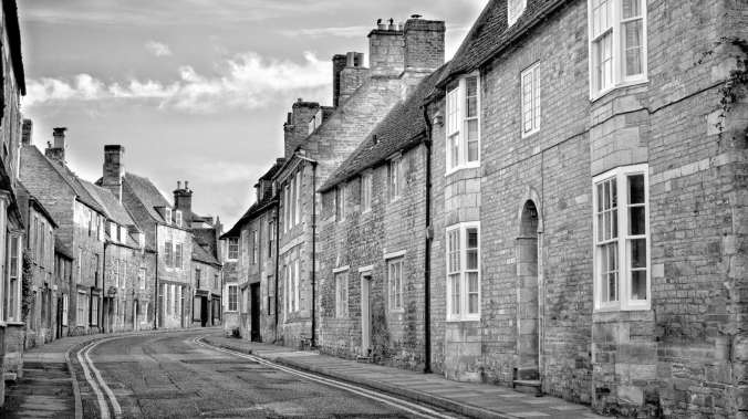 Oundle is a must to visit. Late on a Sunday afternoon is the ideal time as there's very little traffic or people about to clutter up your photos.