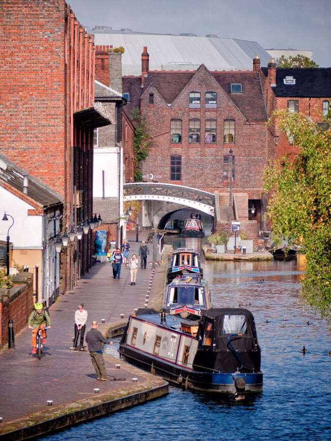 Looking along the end of the Birmingham and Worcester Canal through 'Worcester Bar' and Broad Street Tunnel.