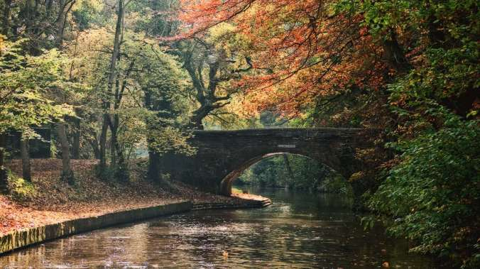 Hopwas Wood Bridge on the Coventry Canal
