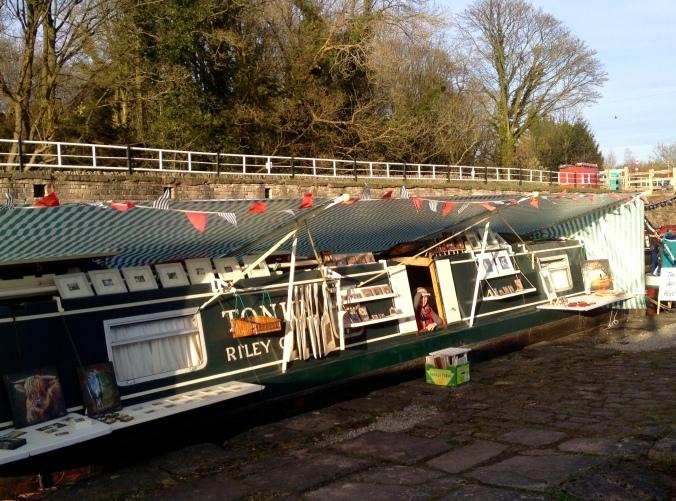 Jan Valance's Art Boat