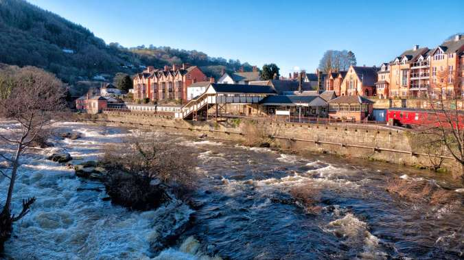 River Dee and Llangollen Station