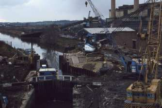 Doncaster Lock 1981 (taken by Jim Davies